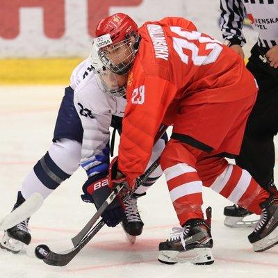 Сборная России по хоккею сыграет с Канадой в финале ЮЧМ-2021