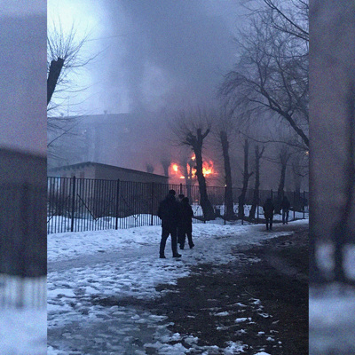 Жителей дома в Магнитогорске, где произошел взрыв газа, временно разместили в ближайшей школе