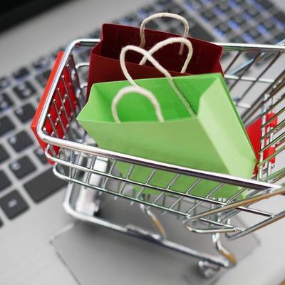Россияне начали терять интерес к онлайн-шопингу, заявили эксперты