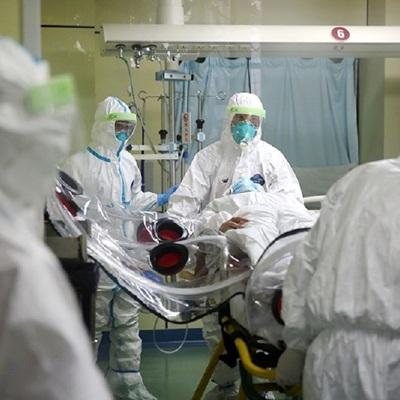 Медикам, работающим с больными с коронавирусом, стаж засчитают как день за два