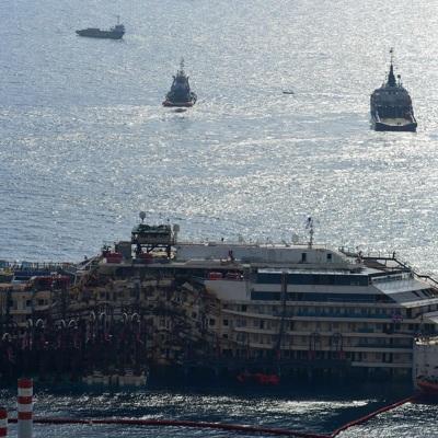 Круизный лайнер затонул в порту Бейрута после прогремевшего там взрыва