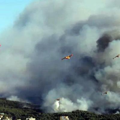 Пожары в районе французского города Мартиг снова вспыхнули