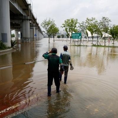 26 человек погибли в результате сильных ливней в Южной Корее