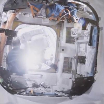Экипаж МКС обнаружил шесть трещин в корпусе модуля