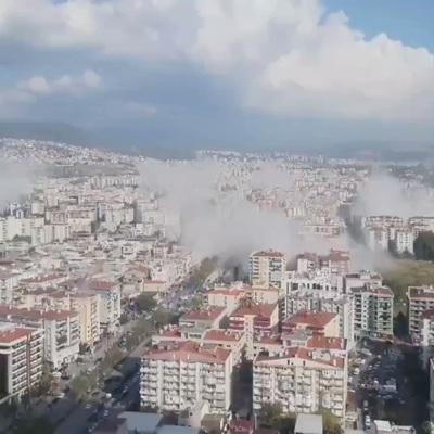 Жители Измира всю ночь провели на улице после землетрясения