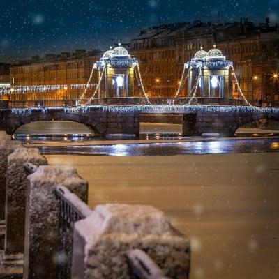 Власти Петербурга призвали не приезжать туристов в город на новогодние праздники