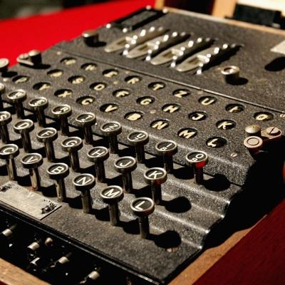 Немецкие дайверы обнаружили в Балтийском море редкую шифровальную машину