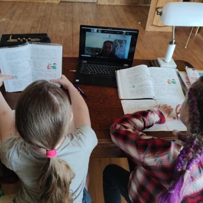 Все школы Саратова переведены на дистанционное обучение