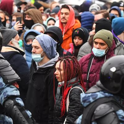 На акциях протеста в разных регионах России задержали около 300 несовершеннолетних