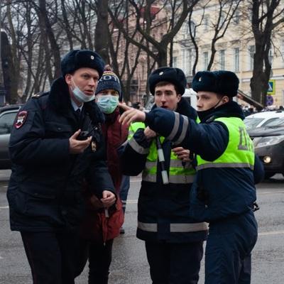 Задержан подозреваемый в нападении на сотрудников ДПС на акции в Петербурге