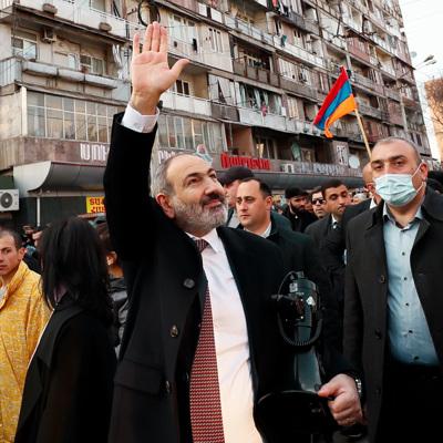 В Ереване начались массовые акции противников и сторонников Пашиняна
