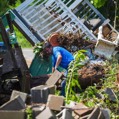 12 человек погибли в Алабаме из-за бури