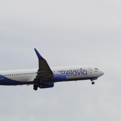 Подавший сигнал тревоги Boeing-737 совершил посадку в Домодедове