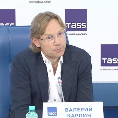 Валерий Карпин покинул пост главного тренера