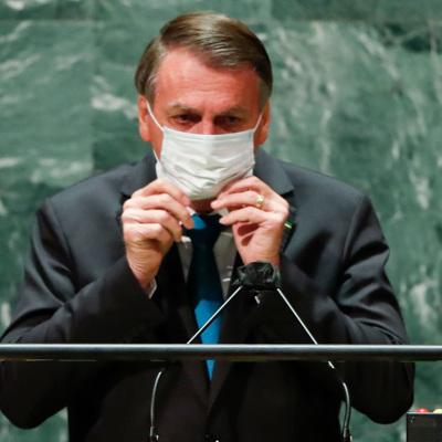 Администрация не причастна к ухудшению ситуации с COVID-19, заявляет президент Бразилии