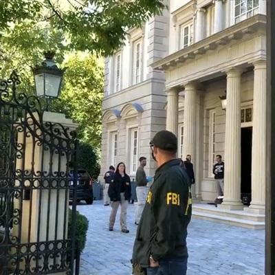 ФБР СШАнесколько часов ведет обыски в домах родственников Олега Дерипаски