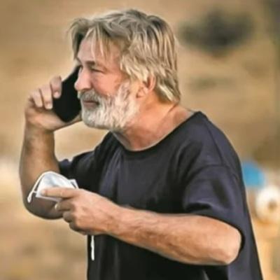 Актер Алек Болдуин не знал, что пистолет на съемках фильма заряжен боевыми патронами
