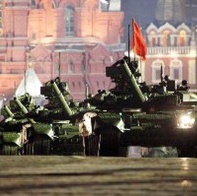 Сегодня на Красной площади пройдет первая ночнаярепетиция Парада Победы