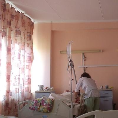 64 человека госпитализированы с острой кишечной инфекциейпосле еды вкафе