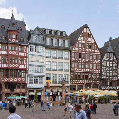 Неизвестный с ножом напал на прохожих во Франкфурте-на-Майне