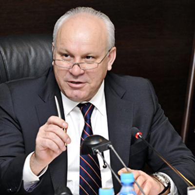 Глава Хакасии посоветовал муниципальным чиновникам