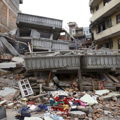 Число жертв землетрясения в Непале превысило 3 тысячи 200 человек