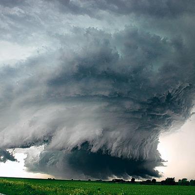 Мощный торнадо обрушился на запад Германии