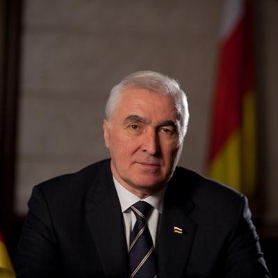 Путин пожелал главе Южной Осетии удачи в связи с предстоящими президентскими выборами в республике