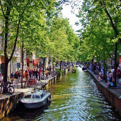 Власти Амстердама решили почти вдвое повысить туристический налог