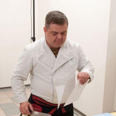 Илья Якушин