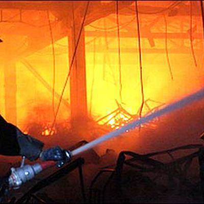 Пожар вынудил эвакуироваться 300 человек в районе города Тиват в Черногории