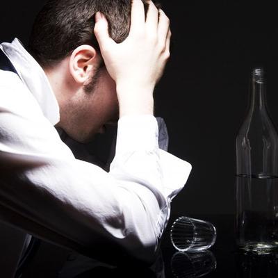 Человек может пьянеть без алкоголя