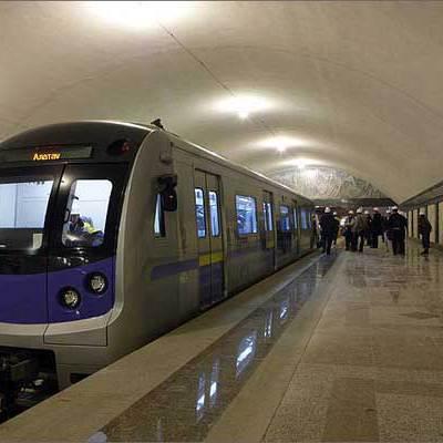 Берлинская подземка решила избавить пассажиров от поездок в забитых поездах