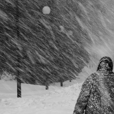 Апрельская метель осложнила дорожную обстановку в Поволжье