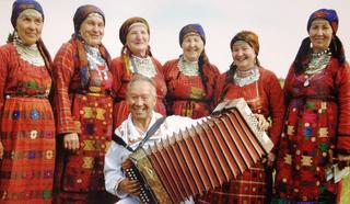 Арсений Яйцов с Бурановскими бабушками