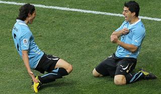 Суарес и Кавани в атаке сборной Уругвая