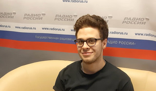 Иллюзионист и воздушный гимнаст Алексей Сокол. Фото Екатерины Курицыной