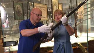 Николай Мамулашвили и Ольга Ивлеева в Тульском музее оружия