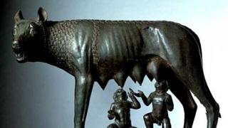 Капитолийская волчица, знаменитая бронзовая скульптура