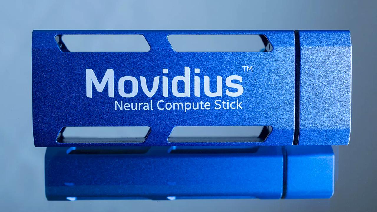 Компания Intel представила USB-ускоритель искусственного интеллекта дляПК