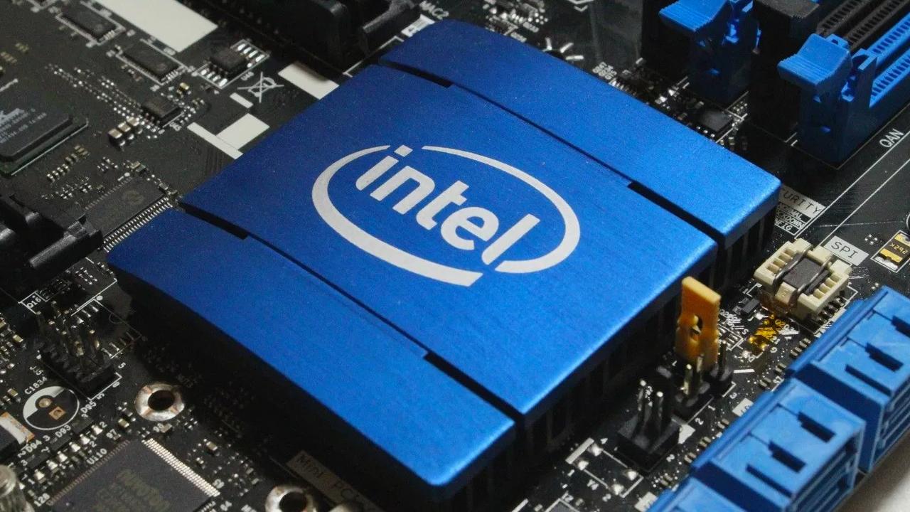 Intel представил новую камеру с технологией машинного зрения RealSense