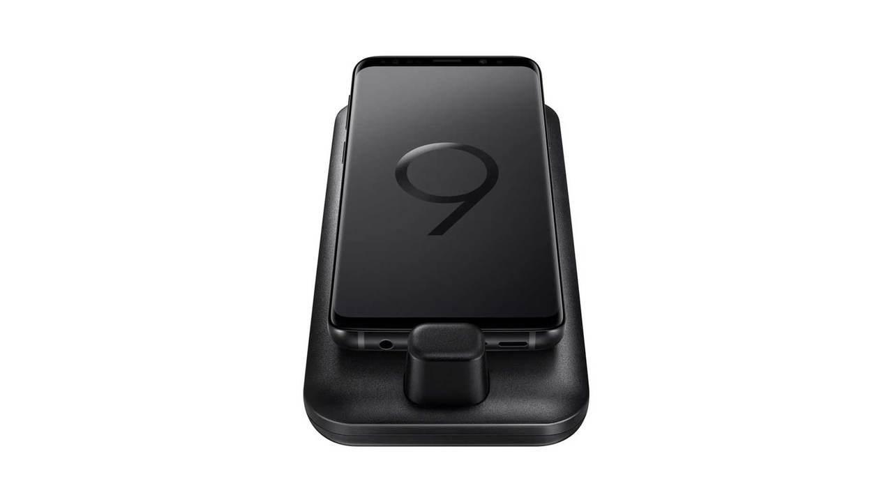 Изображения нового DeX Pad показали, как Galaxy S9 превращается втачпад