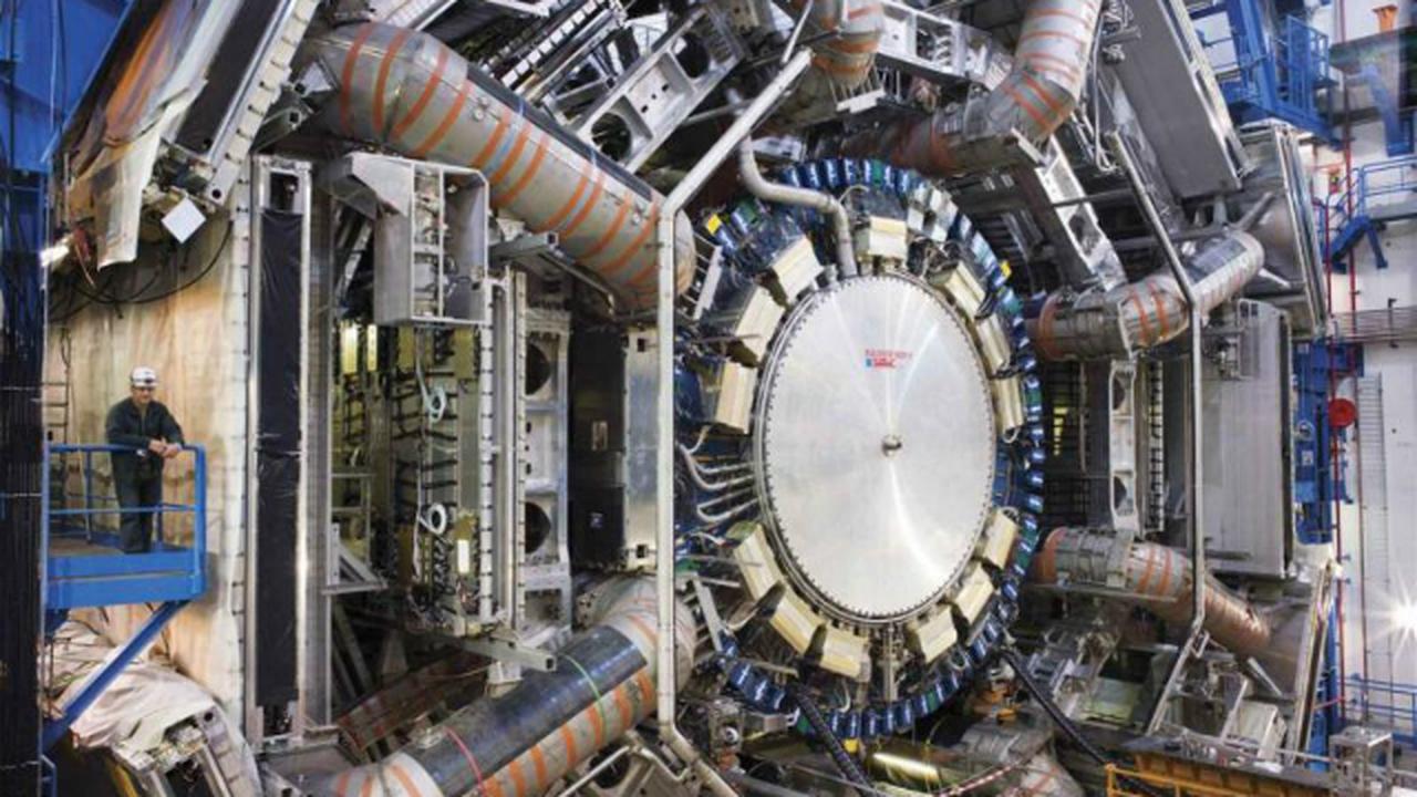 Физики увидели, на что распадается бозон Хиггса