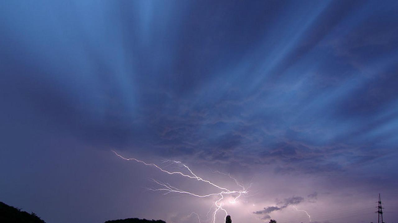 Солнечные ветры вызывают молнии на Земле