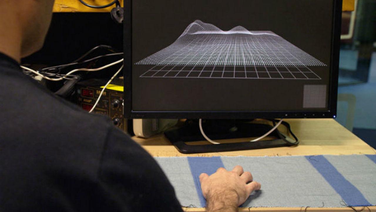 Google встроит сенсорные экраны в одежду