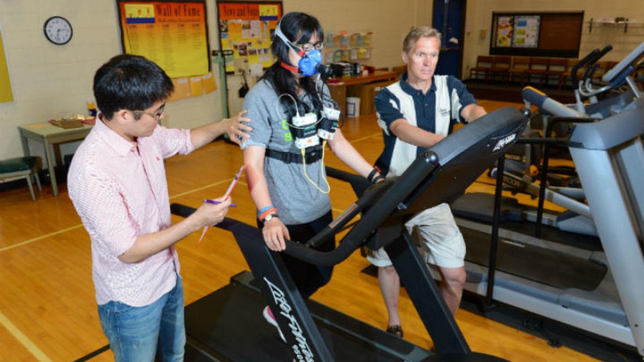 Популярные фитнес-трекеры ошибочно оценивают многие параметры физической активности