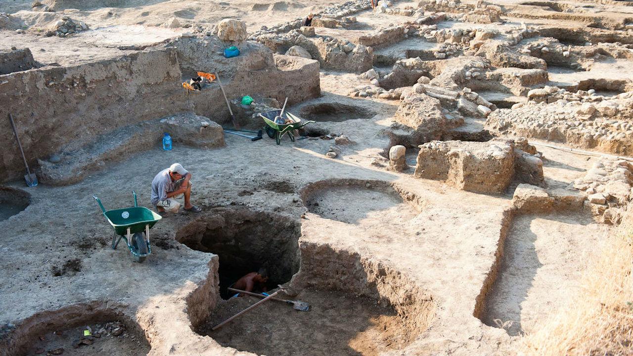 Новые уникальные находки: подведены итоги археологического сезона 2015 в Фанагории
