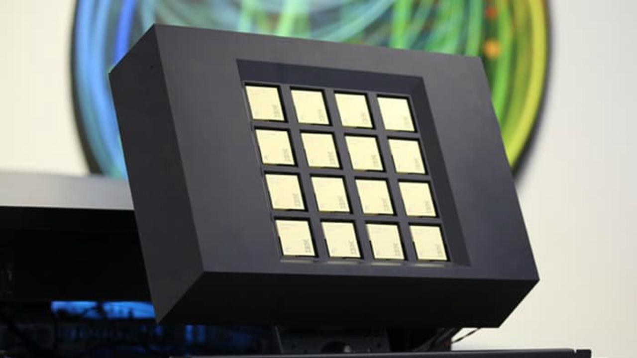 Платформа для открытий будущего: IBM создала чип для суперкомпьютера, работающий как человеческий мозг