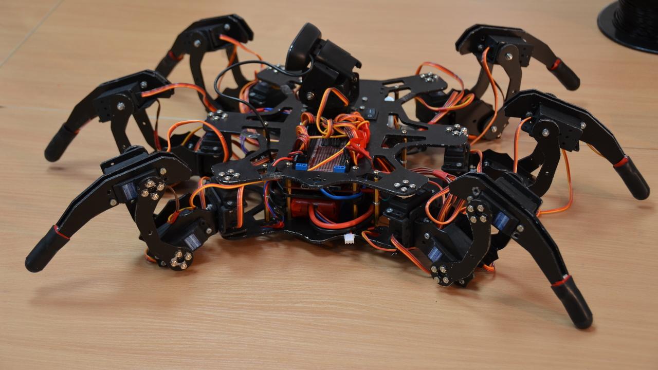 Московские школьники начали создавать роботов на 3D-принтере