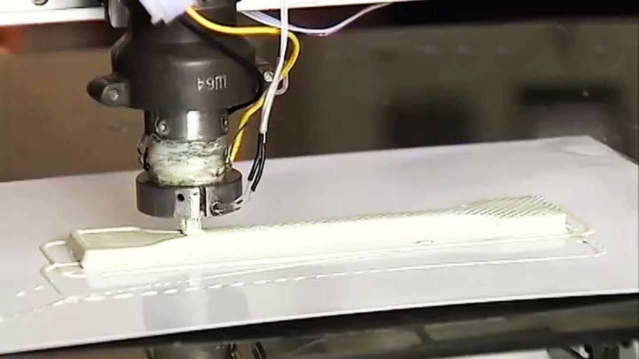 Томичи собрали первый в стране 3D-принтер для печати керамических изделий